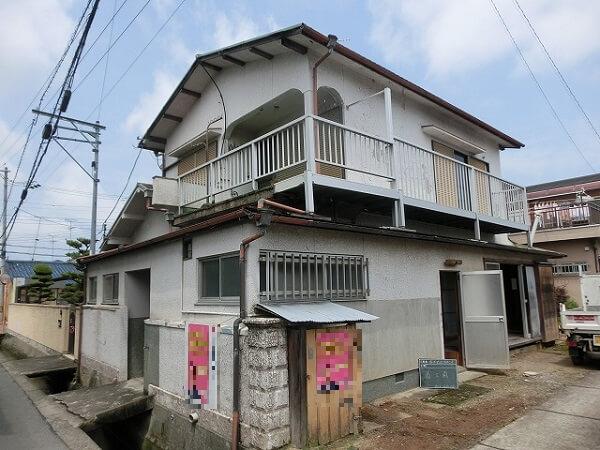 【大阪府岸和田市】業者の丁寧な対応でスムーズに完了!空き家になっていた古屋の解体工事