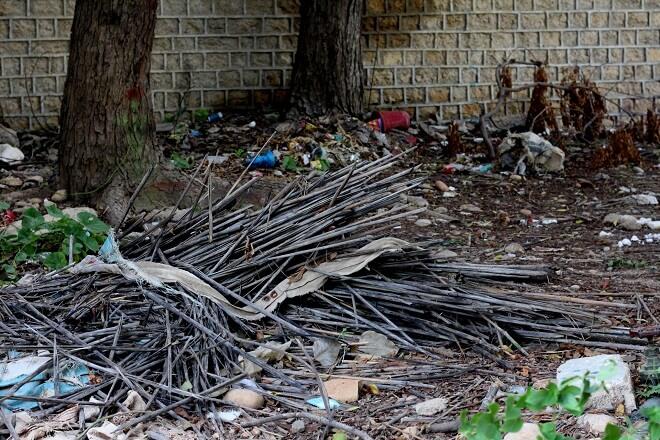 建築廃材が敷地内で見つかった!ポイントは施主自身で解決しないこと?