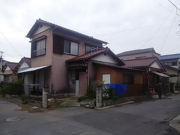 着工前の家屋2