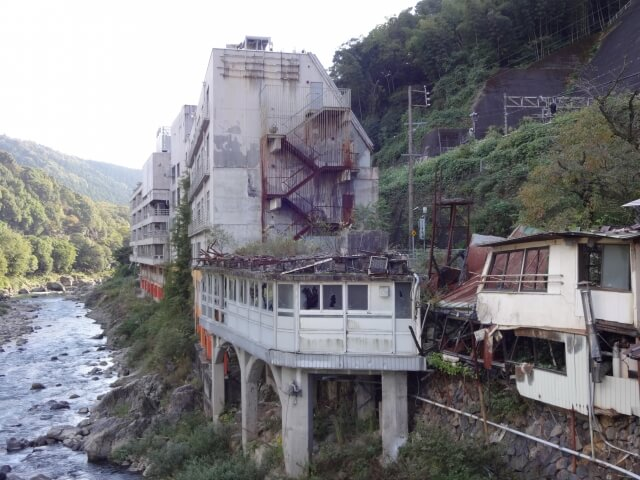 人が住んでいない老朽化した空き家のリスクとは?