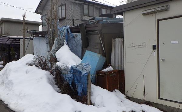 解体前のプレハブ小屋2