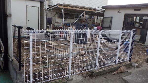 サービスで設置したフェンス