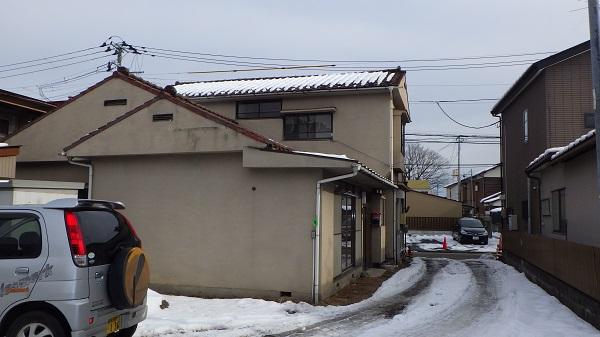 解体工事前の建物