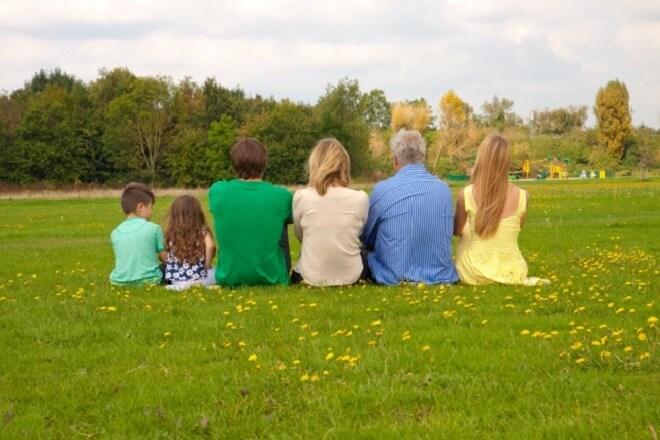 家族葬とは?葬式の流れと注意点