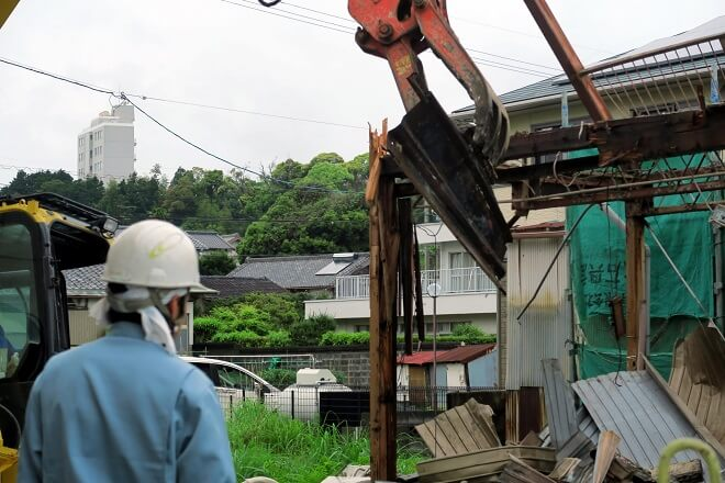 老朽危険空き家の解体費用が半額?!七尾市で助成金を活用したい