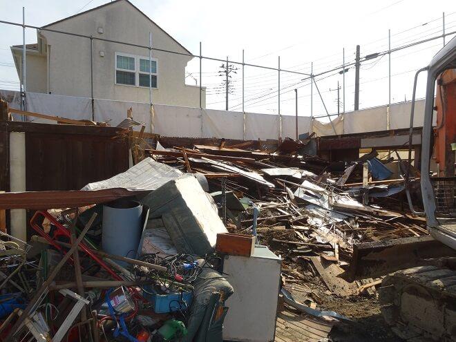【埼玉県鴻巣市の解体工事】区画整理で自宅解体!解体費用を抑え、不用品処分も一緒に依頼できました。