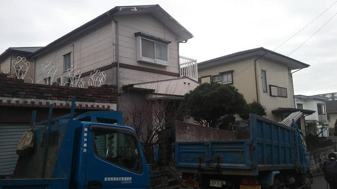 横浜市の実家を建て替え!高さ1.5mの大谷石も無事解体できました。