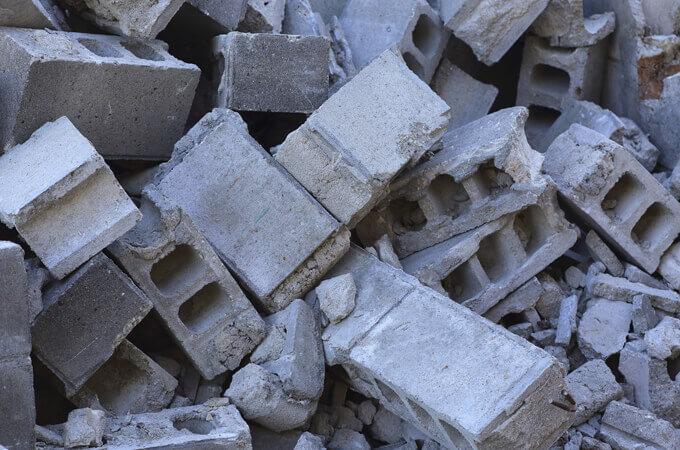 解体したブロック塀